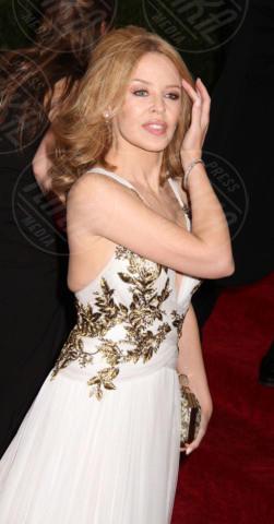Kylie Minogue - New York - 05-05-2014 - MET Gala: bianco e nero, un classico sul tappeto rosso