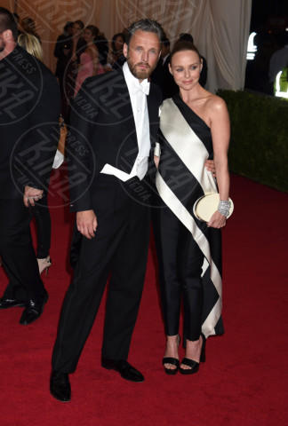 marito, Stella McCartney - New York - 05-05-2014 - Sul red carpet come una dea: il ritorno del monospalla