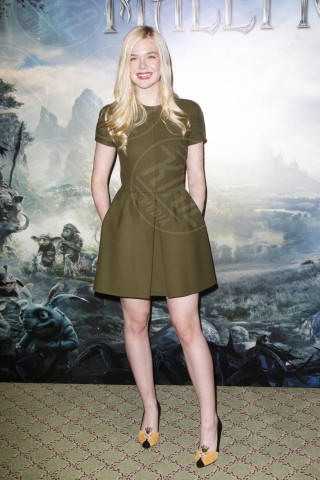 Elle Fanning - Parigi - 06-05-2014 - L'abito dell'estate? Il corolla dress, sexy e bon ton!