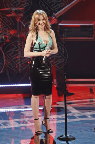 Kylie Minogue - Milano - 07-05-2014 - Vade retro abito! Kylie Minogue a The Voice of Italy