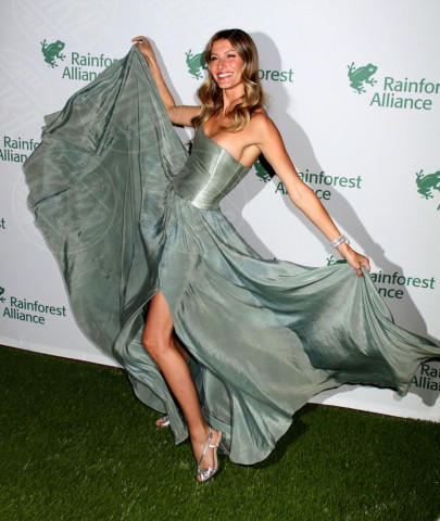 Gisele Bundchen - New York - 07-05-2014 - Contro il caldo dell'estate, prendi fresco con lo spacco!