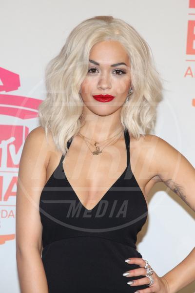 Rita Ora - Amsterdam - 10-11-2013 - Doutzen Kroes, da angelo a diavolo per colpa del trucco