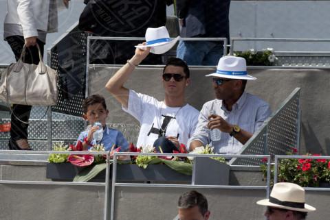Cristiano Ronaldo jr., Cristiano Ronaldo - Madrid - 08-05-2014 - Cristiano Ronaldo ancora papà... di due gemelli!