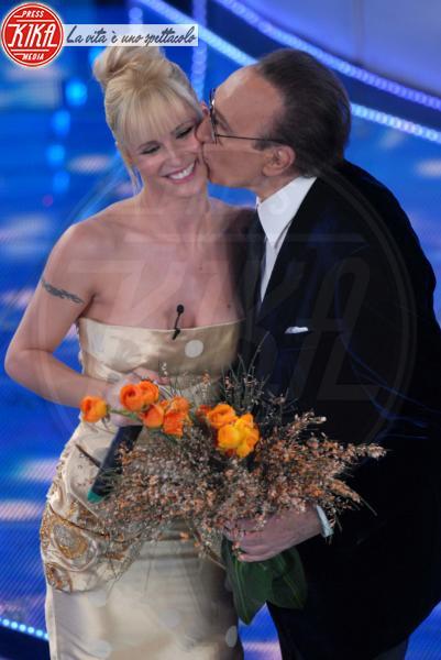Pippo Baudo, Michelle Hunziker - Sanremo - 27-02-2007 - Le vallette degli ultimi anni al Festival di Sanremo