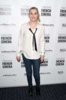 Emmanuelle Seigner - Londra - 26-04-2014 - Donne con le gonne? No: con la cravatta!