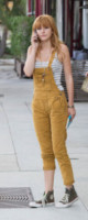 Bella Thorne - Los Angeles - 22-08-2013 - Giù dai tacchi: le Star preferiscono le All Star!