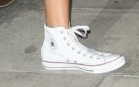 Rihanna - Londra - 14-06-2013 - Giù dai tacchi: le Star preferiscono le All Star!