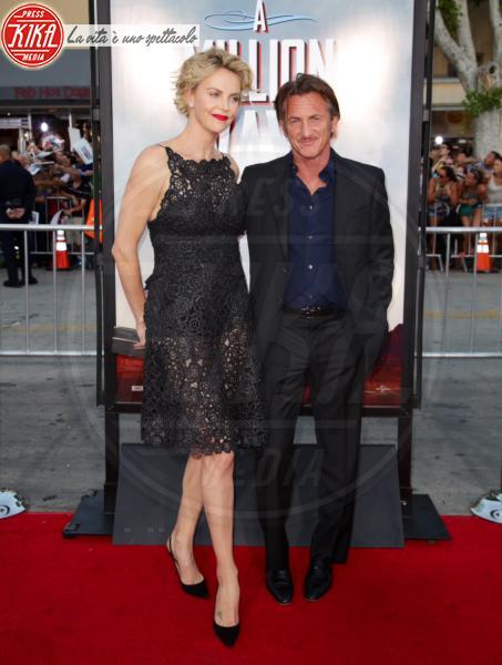 Sean Penn, Charlize Theron - Los Angeles - 16-05-2014 - Amori in controtendenza: quando lui è più basso di lei