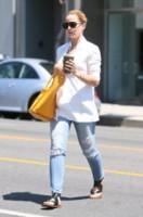 Mena Suvari - Los Angeles - 15-05-2014 - Ecco le celebrity che fanno uno strappo alla regola… dei jeans