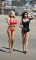Krista Keller, Courtney Stodden - Los Angeles - 29-04-2014 - Courtney Stodden e mammàsuperano la prova bikini