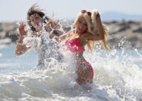 Krista Keller, Courtney Stodden - Los Angeles - 29-04-2014 - Courtney Stodden e mammà superano la prova bikini