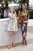 Mireille Enos, Rosario Dawson - Cannes - 16-05-2014 - Cannes 2014: Rosario Dawson e Ryan Reynolds presentano Captives