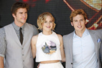 Liam Hemsworth, Jennifer Lawrence, Sam Claflin - Cannes - 17-05-2014 - Cannes 2014: il photocall di Hunger Games
