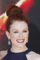 Julianne Moore - Cannes - 17-05-2014 - Cannes 2014: il photocall di Hunger Games