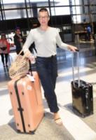 Milla Jovovich - Los Angeles - 20-05-2014 - In carrozza! Anche il viaggio ha il suo dress code