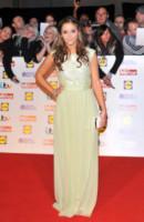 Jaqueline Jossa - Londra - 07-10-2013 - Ecco le celebrity che non fanno un plissé… ma mille!
