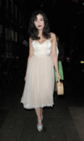 Daisy Lowe - Londra - 17-12-2013 - Ecco le celebrity che non fanno un plissé… ma mille!