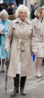 Camilla Parker Bowles - Somerset - 28-05-2014 - L'autunno è alle porte: è tempo di trench!
