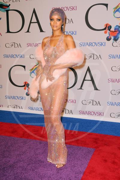 Rihanna - New York - 03-06-2014 - La provocazione delle vip, mettere in mostra tutto (o quasi)