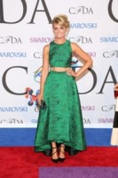 Beth Behrs - New York - 03-06-2014 - Top Crop & company: pancini al vento sul red carpet