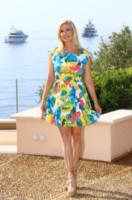 Katherine Kelly Lang, Beautiful - Monte Carlo - 08-06-2014 - Il minidress floreale per sentirsi una jeune fille en fleur