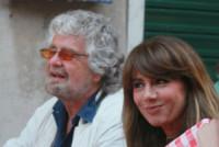 Parvin Grillo, Beppe Grillo - Portofino - 09-06-2014 - Beppe Grillo: dopo le sconfitte niente è meglio della famiglia