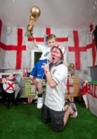 Charlie Rogers, Ben Rogers - 09-06-2014 - Mondiali di Calcio 2014: in questa casa si tifa Inghilterra!