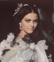 Claudia Cardinale - 01-01-1962 - Cannes corregge Claudia Cardinale a colpi di Photoshop