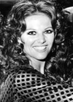 Claudia Cardinale - 25-11-1968 - Cannes corregge Claudia Cardinale a colpi di Photoshop