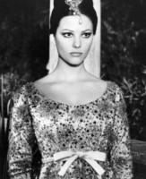 Claudia Cardinale - Hollywood - 20-02-1964 - Cannes corregge Claudia Cardinale a colpi di Photoshop