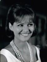 Claudia Cardinale - 06-06-1964 - Cannes corregge Claudia Cardinale a colpi di Photoshop