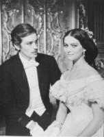 Alain Delon, Claudia Cardinale - 01-01-1962 - Cannes corregge Claudia Cardinale a colpi di Photoshop