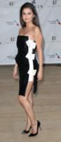 Selena Gomez - New York - 12-05-2014 - Bianco e nero: un classico sul tappeto rosso!