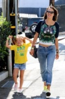 Anja Mazur, Alessandra Ambrosio - West Hollywood - 12-06-2014 - Il jeans, capo passepartout, è il must dell'autunno