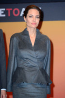 Angelina Jolie - Londra - 13-06-2014 - Angelina Jolie: chiamatemi pure Dame