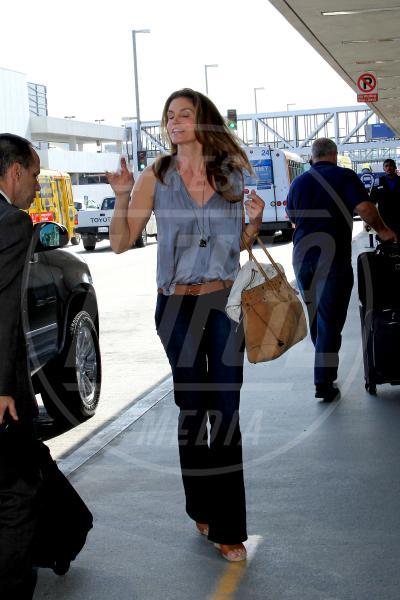 Cindy Crawford - Los Angeles - 16-06-2014 - Reggiseno? No grazie, le star lasciano intravedere tutto
