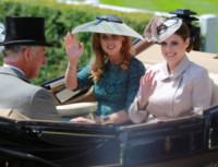 Principessa  Beatrice di York, Principe Carlo d'Inghilterra, Principessa Eugenia di York - Windsor - 17-06-2014 - Royal Ascot: tanto di cappello al principe Harry!