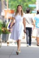 Jessica Hart - New York - 17-06-2014 - Quest'autunno, le celebrity vanno… in bianco!