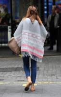 Lisa Snowdon - Londra - 18-06-2014 - È arrivato l'autunno: tempo di tirar fuori il poncho!
