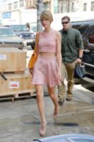 Taylor Swift - New York - 18-06-2014 - Lo streetstyle è più malizioso con una minigonna