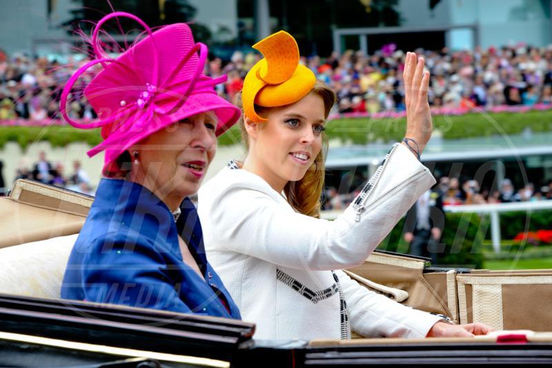 Principessa  Beatrice di York, Principessa Anna d'Inghilterra - Ascot - 19-06-2014 - Royal Ascot giorno tre: teste di mille forme e colori