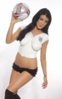 Carla Howe - Los Angeles - 19-06-2014 - L'Inghilterra si consola con una tifosa molto speciale