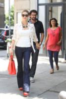 Michelle Hunziker - Milano - 24-06-2014 - Corsi e ricorsi fashion: dagli anni '70 ecco i pantaloni a zampa