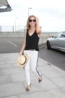 Kylie Minogue - Londra - 20-05-2014 - In carrozza! Anche il viaggio ha il suo dress code