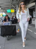 Khloe Kardashian - Londra - 26-05-2014 - In carrozza! Anche il viaggio ha il suo dress code