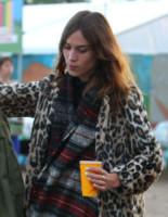 Alexa Chung - Glastonbury - 29-06-2014 - Glastonbury: Cressida Bonas, da principessa a punk-girl