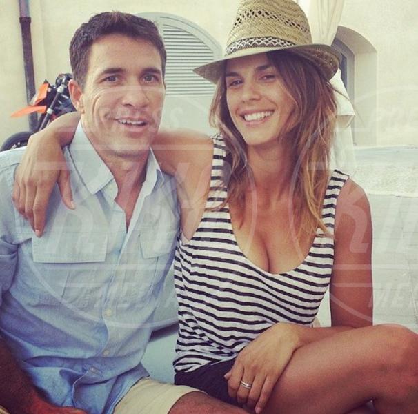 Brian Perri, Elisabetta Canalis - Sardegna - 01-07-2014 - Fondoschiena da urlo? No, da ruggito