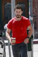 Shia LaBeouf - Los Angeles - 03-07-2014 - Shia LaBeouf: gli alcolisti anonimi mettono il malumore