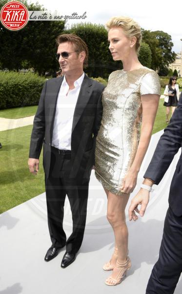 Sean Penn, Charlize Theron - Parigi - 07-07-2014 - Amori in controtendenza: quando lui è più basso di lei