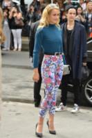 Alice Dellal - Parigi - 08-07-2014 - Le celebrity? Sul red carpet e fuori sono regine di... fiori!